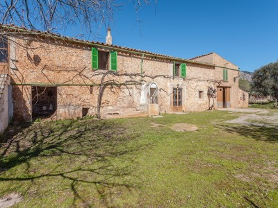 Maison multifamiliale for sales at Excellent investment opportunity in Alaró  Alaro, Majorque 07340 Espagne