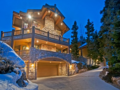 Maison unifamiliale for sales at Timeless Deer Valley Ski-In Ski-out Mountain Retreat 7948 Red Tail Ct Park City, Utah 84060 États-Unis
