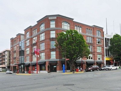 Piso for sales at Trendy Corner Condo Suite 308-601 Herald Street Victoria, British Columbia V8W1S8 Canadá