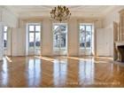 Apartamento for  sales at Paris 8 - Tilsitt  Paris, Paris 75008 França
