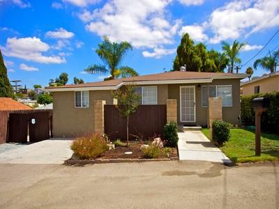 Casa Unifamiliar for sales at 141 Pagel  San Diego, California 92114 Estados Unidos