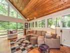 Casa para uma família for  rentals at Wonderful Contemporary Home 2921 Margaret Mitchell Court Atlanta, Geórgia 30327 Estados Unidos