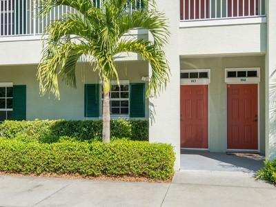 Copropriété for sales at Condo in Boulevard Villas Courtside 4370 Doubles Alley Drive #103 Vero Beach, Florida 32967 États-Unis