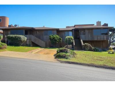 Maison unifamiliale for sales at Ocean View Duplex 300 Norfolk Cambria, Californie 9328 États-Unis