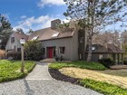 獨棟家庭住宅 for  sales at Contemporary home set on over an acre 31 Woodbury   Hamilton, 麻塞諸塞州 01982 美國