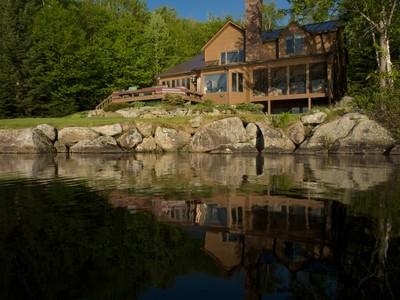Maison unifamiliale for sales at Sunrise Drive Contemporary 494 Sunrise Drive Groton, Vermont 05046 États-Unis