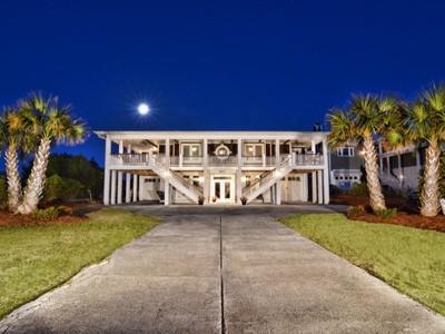 Nhà ở một gia đình for sales at Oceanfront Stunner 501 South Anderson Boulevard Topsail Beach, Bắc Carolina 28445 Hoa Kỳ