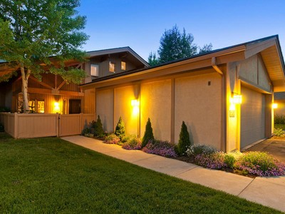 Vivienda unifamiliar for sales at Designer Masterpiece in Four Lakes 2782 Estates Dr Park City, Utah 84060 Estados Unidos