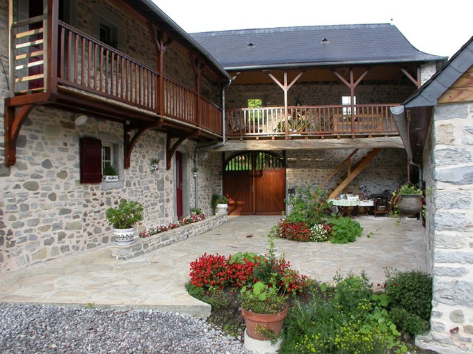 Vivienda unifamiliar for sales at MOULIN  Oloron Sainte Marie, Pirineos Atlánticos 64400 Francia