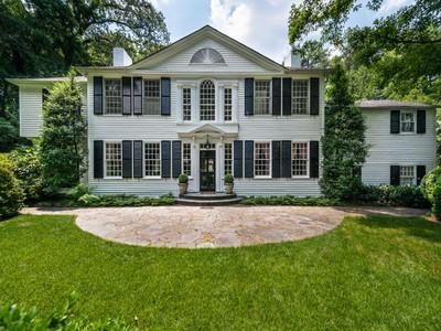 Villa for sales at Majestically Sited On 2.6 Acres 3665 Tuxedo Road NW Atlanta, Georgia 30305 Stati Uniti