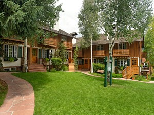 Additional photo for property listing at Immaculate 3 Bedroom Core Townhome 631 S Galena Street Unit #14 Aspen, Colorado 81611 United States