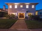 Casa Unifamiliar for  sales at Classic Georgian Colonial With A View 5875 Buena Vista Avenue  Oakland, California 94618 Estados Unidos