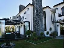 Casa para uma família for sales at Eye catching Excellence in Val de Vie Polo Estate  Paarl, Western Cape 7646 África Do Sul