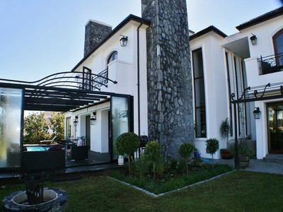 Villa for sales at Eye catching Excellence in Val de Vie Polo Estate  Paarl, Capo Occidentale 7646 Sudafrica
