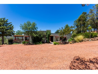 Einfamilienhaus for sales at Rare Gem That Captures The True Essence Of Prescott Living 33 Pinnacle Circle Prescott, Arizona 86305 Vereinigte Staaten