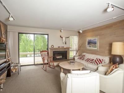 共管式独立产权公寓 for sales at Unique Bonne Vie 2210 Bonne Vie Condo Drive  Sun Valley, 爱达荷州 83353 美国