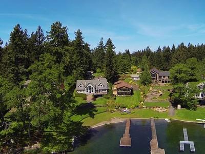 Maison unifamiliale for sales at www.AmericanLakeValue.com 12617Avenue Dubois SW Lakewood, Washington 98498 États-Unis