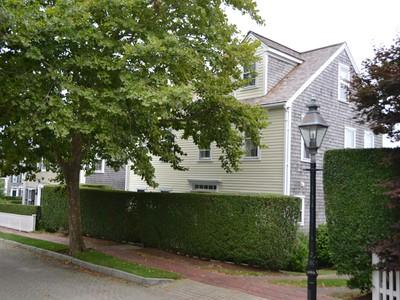 Nhà ở một gia đình for sales at Perfect Location - Quiet and Serene! 31 Woodbury Lane Nantucket, Massachusetts 02554 Hoa Kỳ