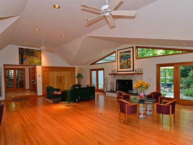 Einfamilienhaus for sales at 151 Stone Hill Road  Colts Neck, New Jersey 07722 Vereinigte Staaten