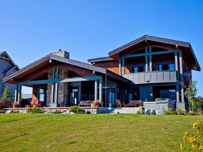 Einfamilienhaus for sales at Beautiful Waterfront Home In Dover Bay 513 Lakeshore Ave Dover, Idaho 83825 Vereinigte Staaten