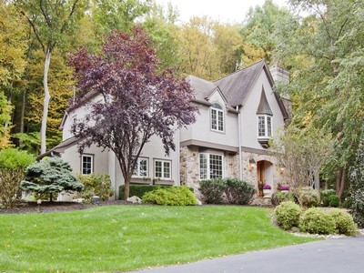 Maison unifamiliale for sales at Stunning Colonial Home 8 Rocky Glen Way  Tewksbury Township, New Jersey 08833 États-Unis