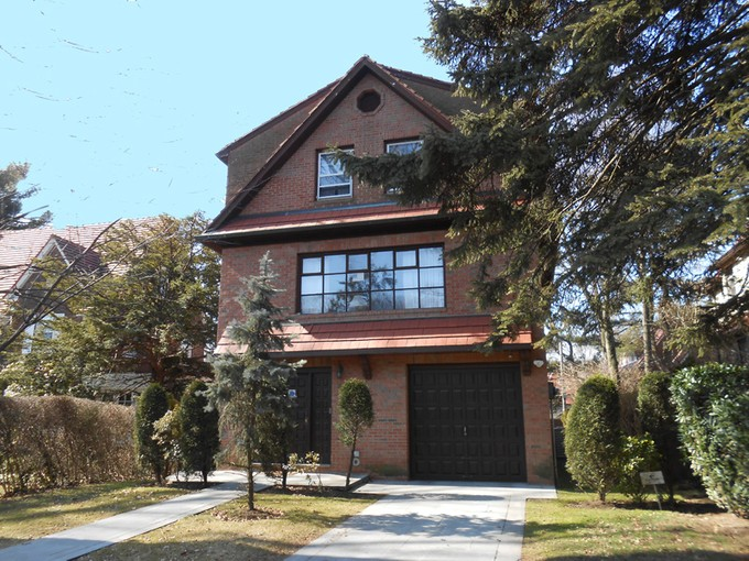 """Maison unifamiliale for sales at """"DESIGNED TO INSPIRE"""""""" 55 Wendover Rd , Forest Hills Gardens  New York, New York 11375 États-Unis"""