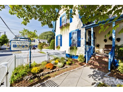 Maison unifamiliale for sales at Whaling captain's summer home 160 Bradford Street  Provincetown, Massachusetts 02657 États-Unis