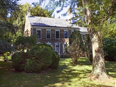 Moradia for sales at Stone Manor Home on Twelve Acres - Lawrence Township 1 Carter Road Princeton, Nova Jersey 08540 Estados Unidos