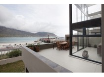 多户住宅 for sales at Triplex Chic with separate income potential flatlet  Hout Bay, 西开普省 7800 南非
