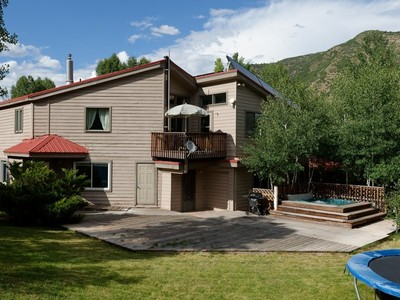 Single Family Home for  at Charming Eclectic Home 1469 Snowmass Creek Road Snowmass, Colorado 81654 United States