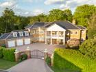 独户住宅 for  sales at Marlborough House 6 Kings Warren Oxshott, 英格兰 KT220PE 英国