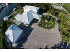 Maison unifamiliale for  sales at Final Approach  Treasure Cay, Abaco 00000 Bahamas
