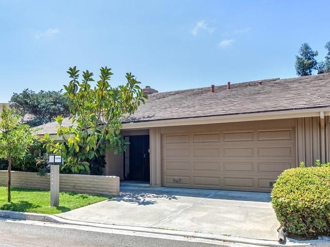 Condominium for sales at 5538 Caminito Consuelo  La Jolla, California 92037 United States