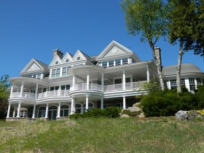 Maison unifamiliale for sales at 6650 Lower Shore Drive  Harbor Springs, Michigan 49740 États-Unis