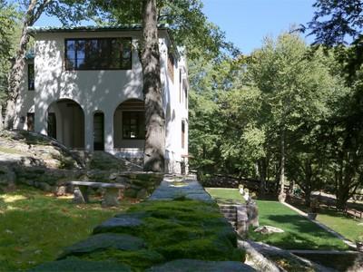 Villa for sales at Unique Tuscan Villa 151 Good Hill Road  Weston, Connecticut 06883 Stati Uniti
