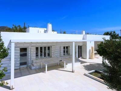 Nhà ở một gia đình for sales at Sea Front Cozy House Paros, Aegean Sea, Cyclades Paros, Nam Aegean 84400 Hy Lạp
