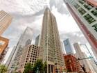 Appartement en copropriété for sales at Fabulous High Amenity Condo 345 N LaSalle Blvd Unit 1203 Chicago, Illinois 60610 États-Unis
