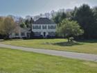 Частный односемейный дом for  sales at Picturesque Colonial 6 Jordan Road Hopkinton, Массачусетс 01748 Соединенные Штаты