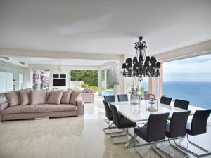 Additional photo for property listing at Modern villa with panoramic sea view overlooking E  Eze, Provincia - Alpes - Costa Azul 06360 Francia