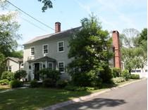 Moradia for sales at Antique Charm - 2014 Amenities 52 Wilton Road East   Ridgefield, Connecticut 06877 Estados Unidos