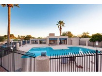 多棟聯建住宅 for sales at Centrally Located Townhouse In The Highly Desirable Creekside Community 3413 N Nandina Lane   Tucson, 亞利桑那州 85712 美國