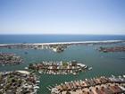 Villa for  sales at 11 Harbor Island  Newport Beach, California 92660 Stati Uniti
