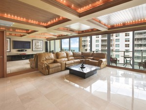 Additional photo for property listing at Il Villaggio#1110 1455 Ocean Drive #1110 Miami Beach, Florida 33139 Estados Unidos