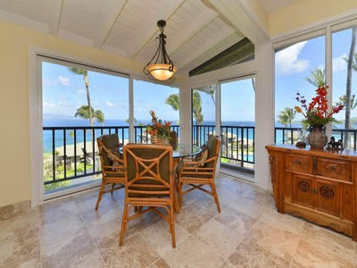 Condominium for sales at Extraordinary Kapalua Townhome with Inspiring Views 500 Bay Dr. 15 B3 Kapalua, Hawaii 96761 United States