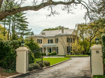 Villa for sales at A Princeton Home of Presidential Importance 10 Cleveland Lane Princeton, New Jersey 08540 Stati Uniti