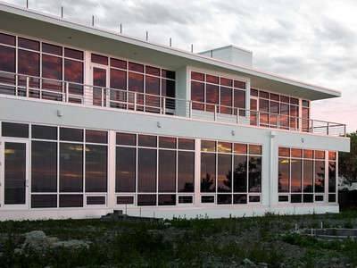 Villa for sales at Coastal Contemporary Awaits Completion 60 Tupelo Road Swampscott, Massachusetts 01907 Stati Uniti