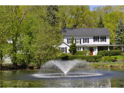 Einfamilienhaus for sales at Classic Country Colonial 82 Shingle House Road  Millwood, New York 10546 Vereinigte Staaten
