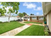 Maison unifamiliale for sales at 2401 Holly Lane    Newport Beach, Californie 92663 États-Unis