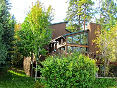 Villa for sales at Flathead Lake 107 Old Highway 93 S Somers, Montana 59932 Stati Uniti