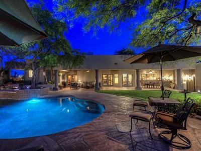 Vivienda unifamiliar for sales at Beautifully Detailed Santa Barbara Custom Home In The Heart Of Pinnacle Peak 9384 E Calle De Las Brisas Scottsdale, Arizona 85255 Estados Unidos